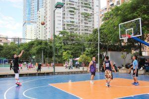 Sân bóng rổ tại trường Ngôi Sao